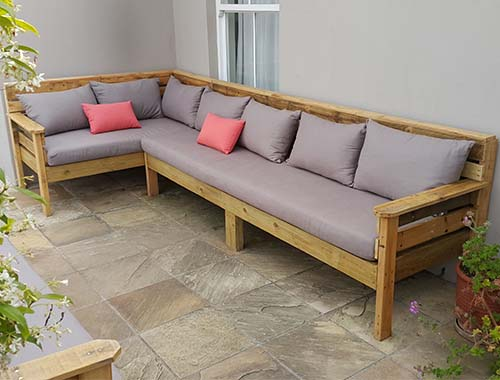 Elgin patio set