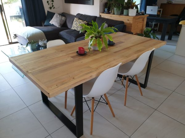 Inca dining table